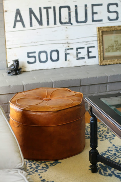 Vintage finds in this fun house tour