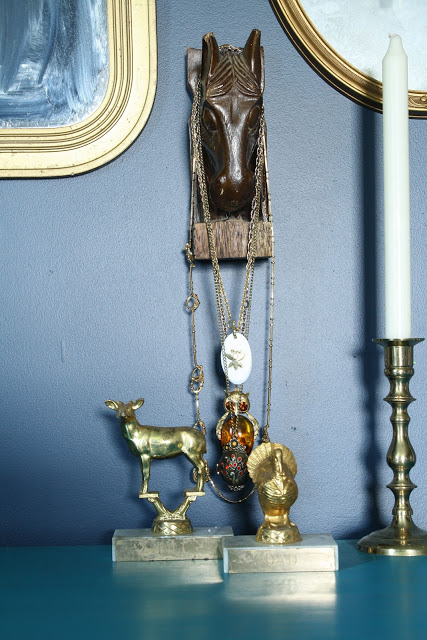 Vintage jewelry holder