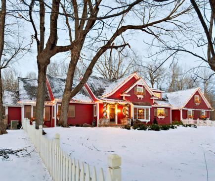 Christmas home tour at kellyelko.com
