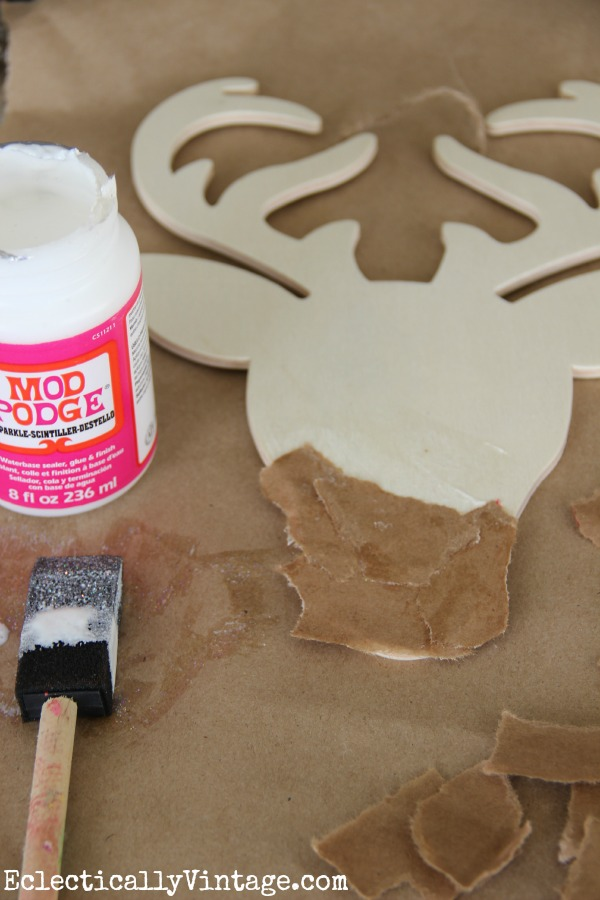 Make your own sparkly reindeer craft #ModPodgeHoliday kellyelko.com