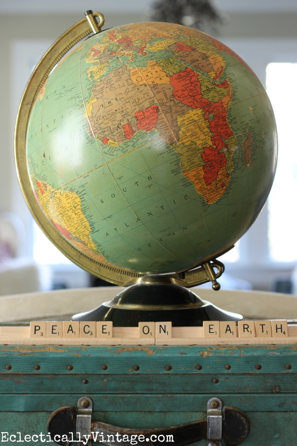 Vintage light up globe - a fun Christmas decoration kellyelko.com