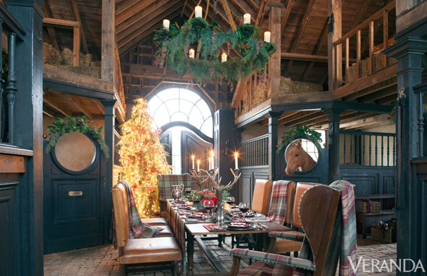 Dining room in a barn - how fun!