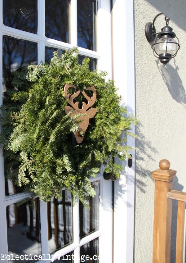 #ad Festive winter wreath #DamageFreeDIY kellyelko.com