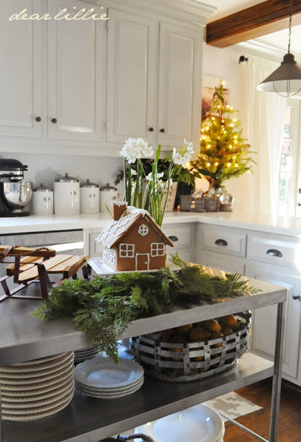 Christmas kitchen decorating