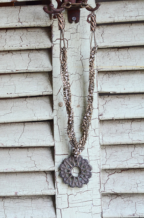 Lucy's Inspired vintage necklace kellyelko.com