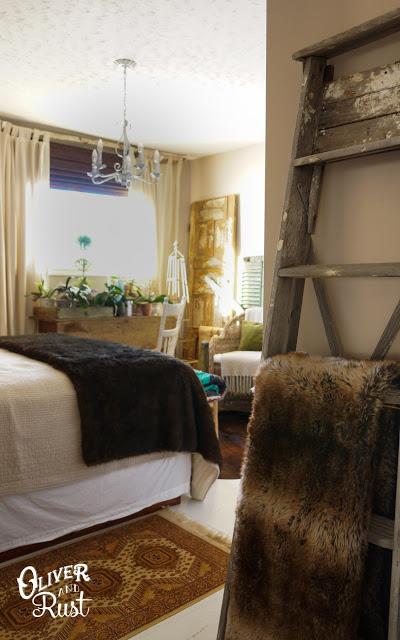 Beautiful vintage filled bedroom