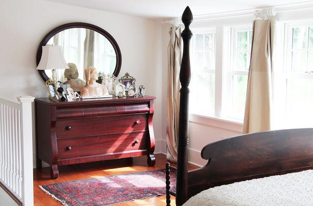 Lovely farmhouse bedroom kellyelko.com