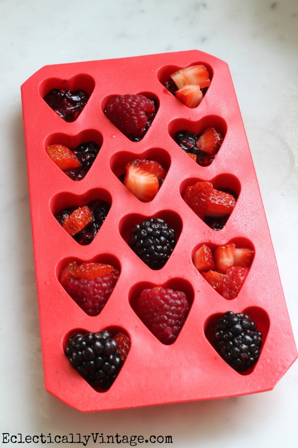 Make Valentine Ice Cubes - I heart these!  kellyelko.com