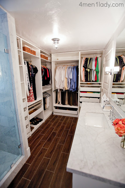 Beautiful bathroom/closet combo