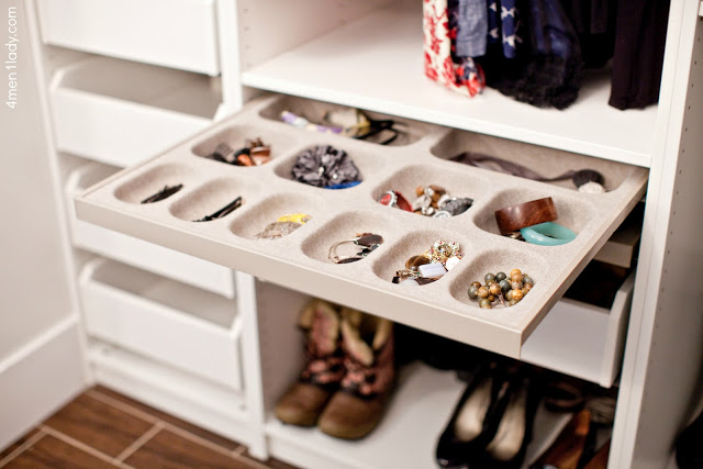 Smart jewelry storage solution