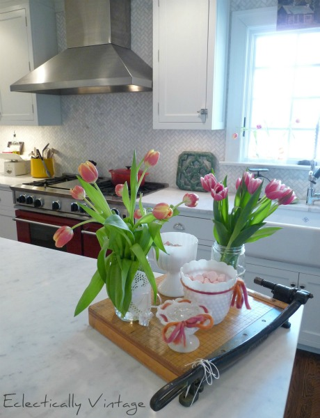 Classic Kitchen Design - with amazing touches that set it apart! eclecticallyvintage.com