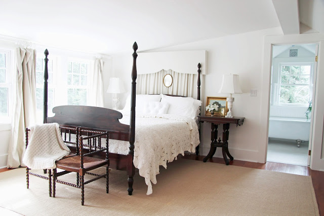 Beautiful farmhouse bedroom eclecticallyvintage.com