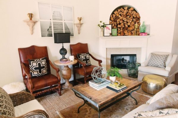 Lovely and eclectic home tour of Two Ellie featured at kellyelko.com