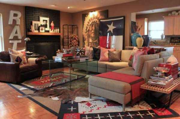 Ralph Lauren style living room and home tour filled with tons of great ideas and collections! eclecticallyvintage.com