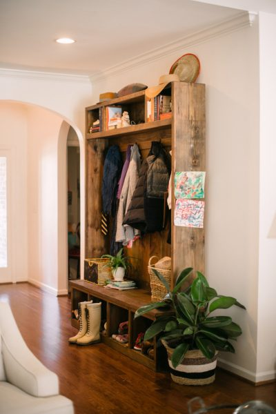Beautiful DIY mudroom storage eclecticallyvintage.com