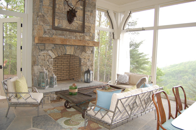 Mountain house decor with sweeping views! kellyelko.com