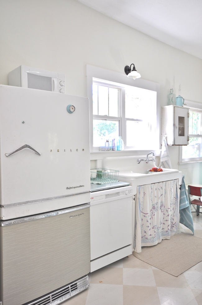 Vintage kitchen sink - this home tour is gorgeous eclecticallyvintage.com