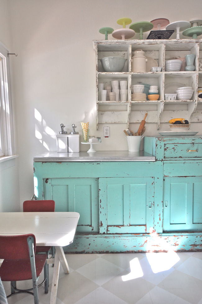 Vintage kitchen - the collections are amazing! eclecticallyvintage.com