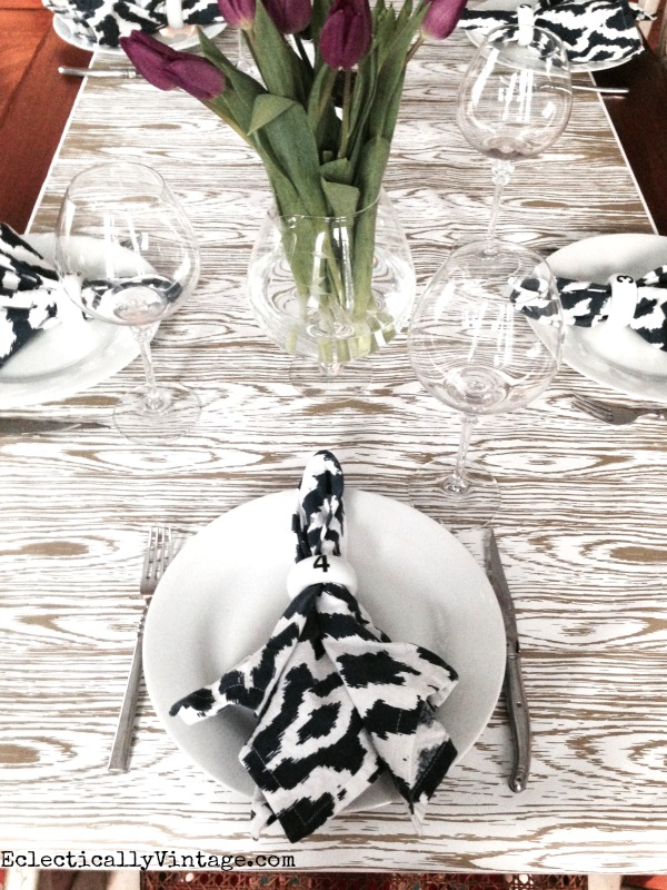 Table Runner Ideas - quick & easy way to get a unique look for your table for next to nothing! kellyelko.com