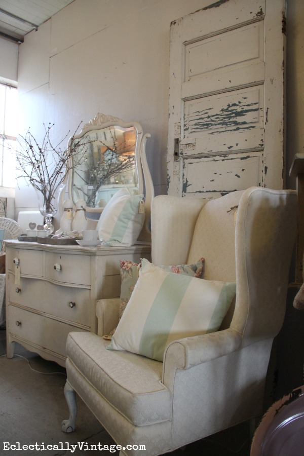 Decorating with white eclecticallyvintage.com