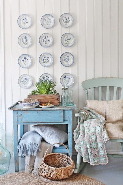 Love this blue plate wall kellyelko.com