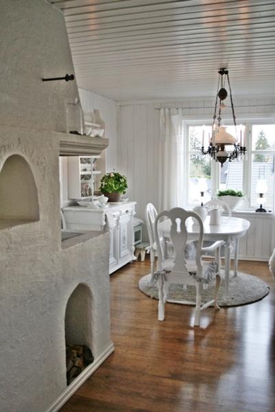 Beautiful white cottage decorating kellyelko.com