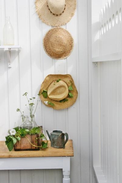 Fun display idea - straw hats kellyelko.com