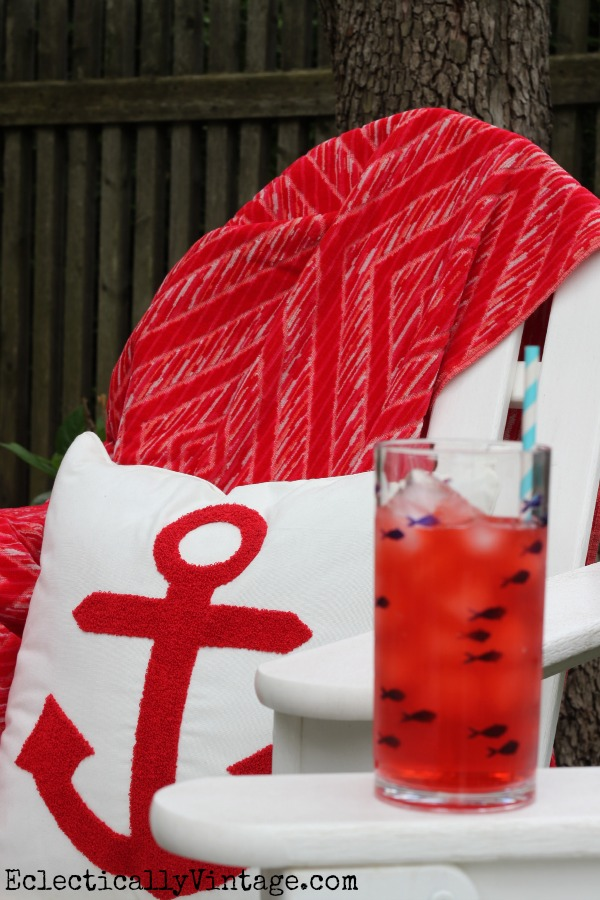 Patriotic anchor pillow - love this outdoor picnic! kellyelko.com
