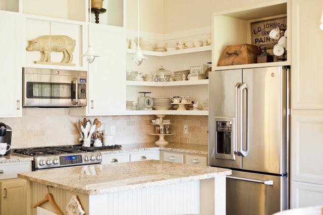 White cottage kitchen kellyelko.com