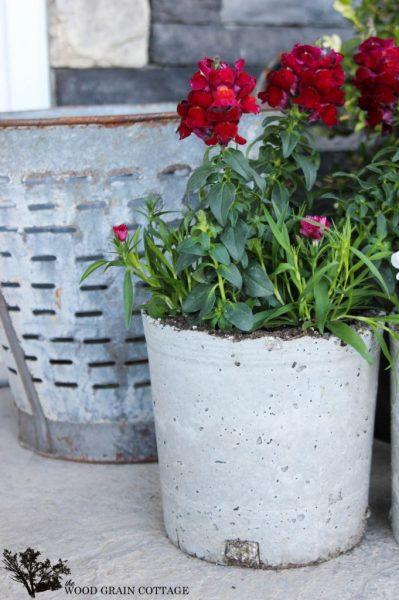 Make concrete pots eclecticallyvintage.com