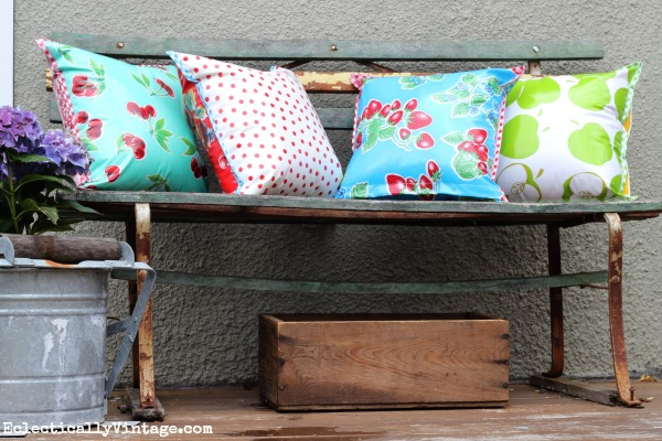 I love these fun, retro oilcloth pillows!  Perfect for outdoors kellyelko.com