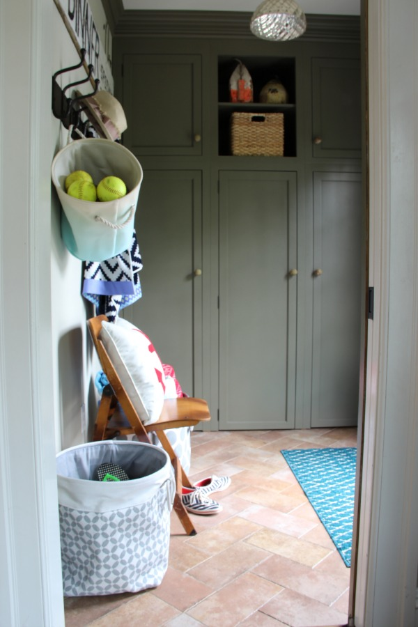 Small mudroom packs a punch with stylish storage ideas eclecticallyvintage.com