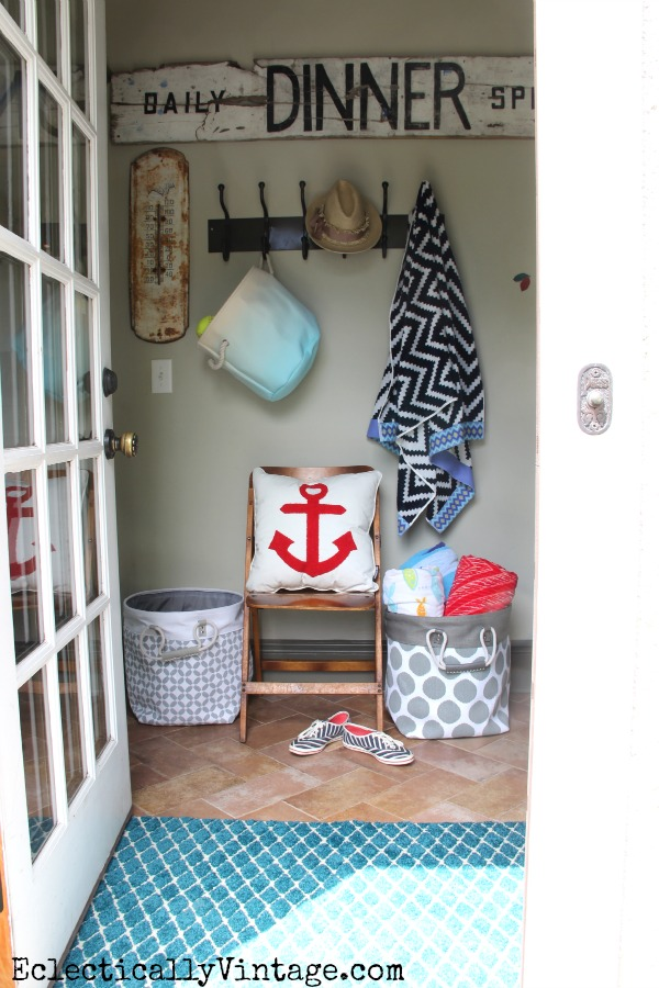 Summer mudroom - such great decorating and storage ideas! kellyelko.com