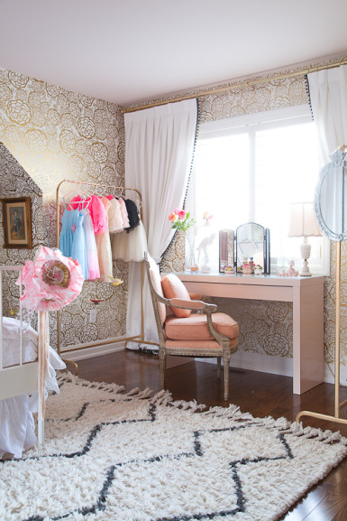 Girls room with gold wallpaper eclecticallyvintage.com