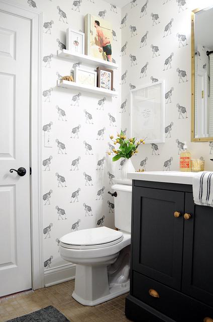 Ostrich wallpaper eclecticallyvintage.com