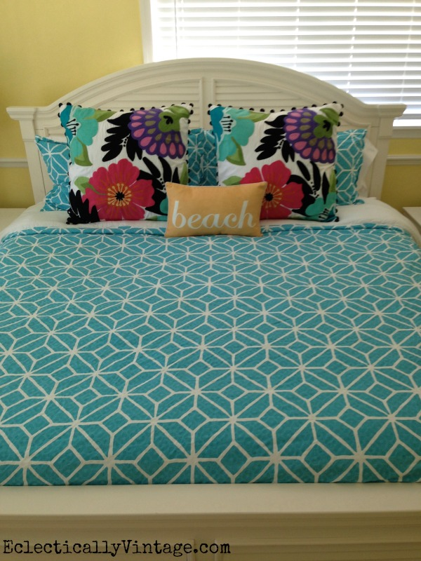 Love this blue bedding kellyelko.com