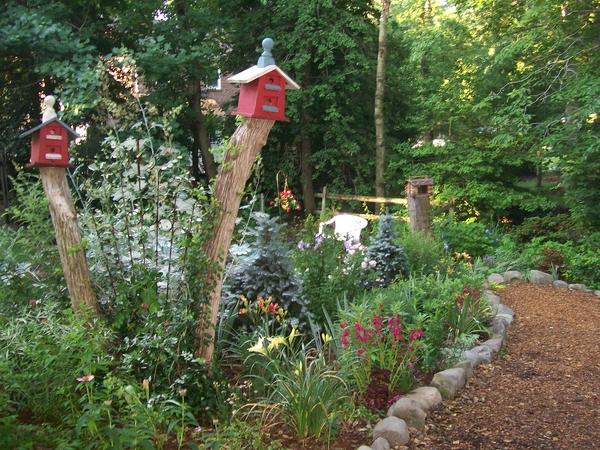 Garden path - part of this gorgeous garden tour kellyelko.com
