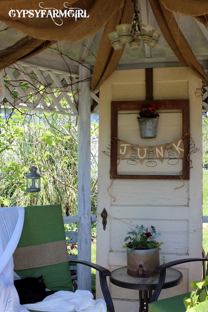 Garden junk tour - she's got the coolest planters ecleticallyvintage.com