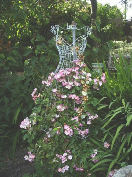 Dress form trellis - one of 10 unique trellises kellyelko.com