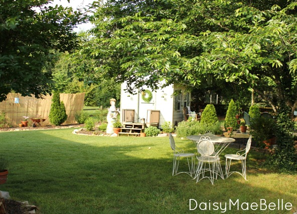 "Take a garden tour - love all the outdoor ""rooms"" and the craft shed eclecticallyvintage.com"