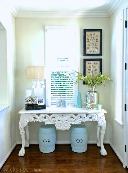 Love this small entry foyer - great use of space kellyelko.com
