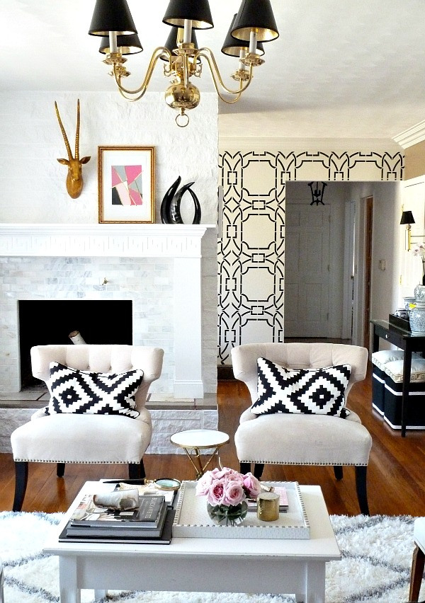 Eclectic Home Tour of Bliss at Home at kellyelko.com