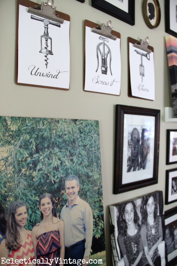 How cute are these clipboards mixed into this gallery wall! kellyelko.com