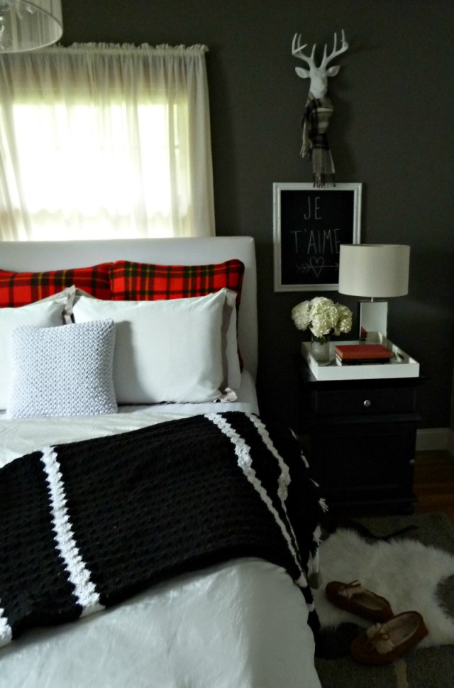 Fall bedroom - love how she switched out her bedding and accessories with plaid kellyelko.com