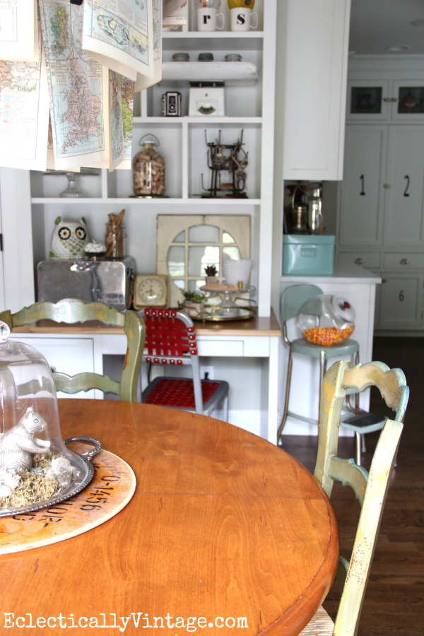Built in desk cubbies are perfect for displaying favorite finds eclecticallyvintage.com #EclecticallyFall