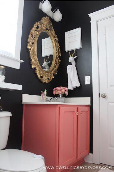 Dramatic black bathroom kellyelko.com