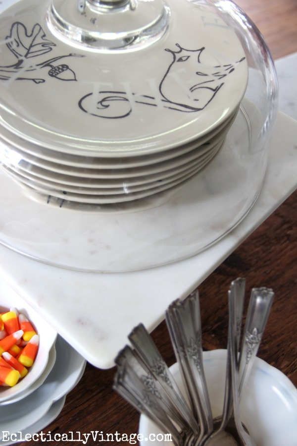 Display your favorite plates under a cake dome eclecticallyvintage.com #EclecticallyFall