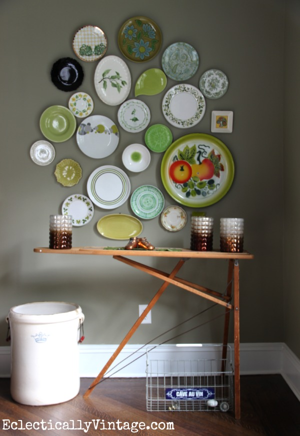 An old wood ironing board is the perfect buffet table kellyelko.com #EclecticallyFall