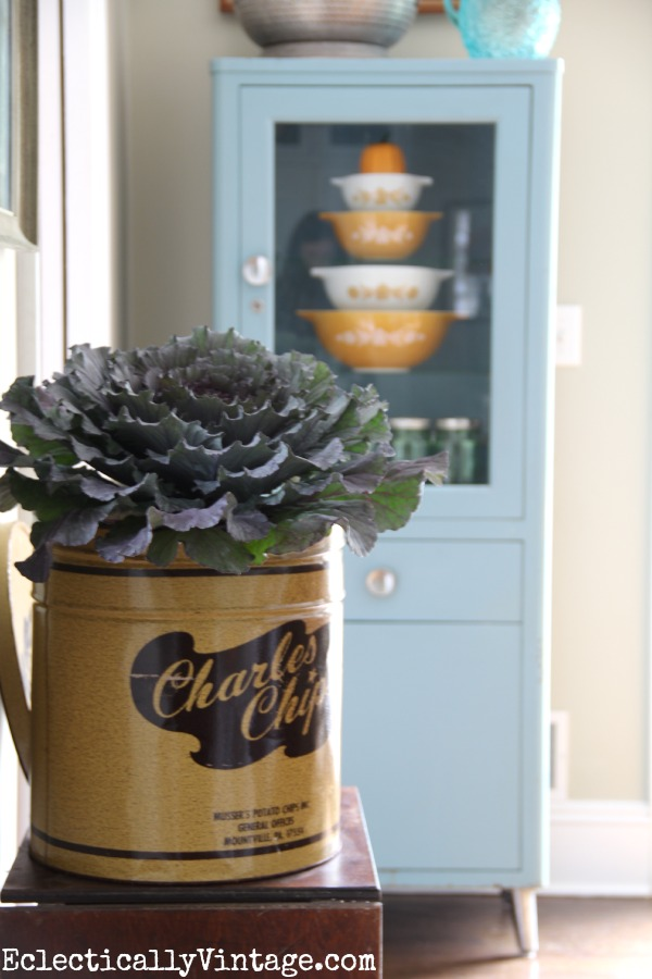 Love the Charles Chips container as a vase! kellyelko.com #EclecticallyFall
