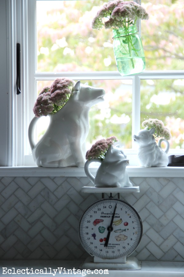 Get creative with vases - love the vintage creamers eclecticallyvintage.com #EclecticallyFall